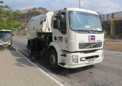 Nova Iguaçu ganha reforço na limpeza das ruas