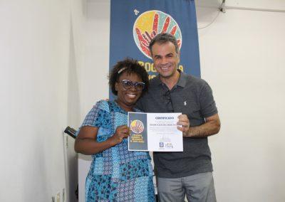 Programa da FENIG entrega certificados para artesãos de Nova Iguaçu