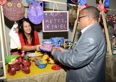 FENIG, Sebrae e Top Shopping dão início a feira do artesanato