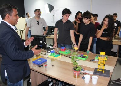 Nova Iguaçu formaliza parcerias para expansão da Casa da Inovação
