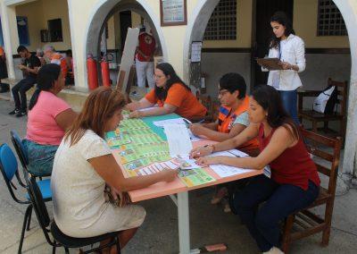 Mais de 200 moradores do Carmari participam de simulado de emergências da Defesa Civil