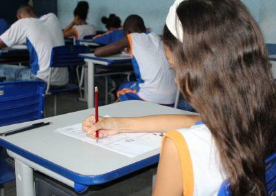 Prefeitura de Nova Iguaçu inicia mais uma etapa da entrega de cartões-alimentação para alunos da rede municipal
