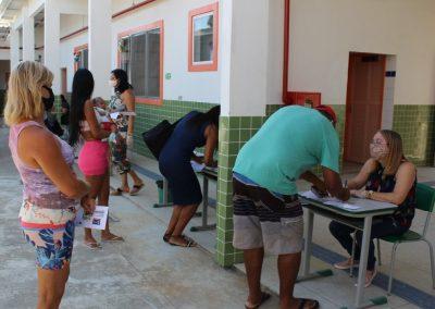 Nova Iguaçu realiza sexta fase da entrega de cartões-alimentação para alunos da rede municipal