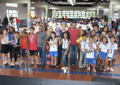 Jogos Estudantis de Nova Iguaçu premiam atletas
