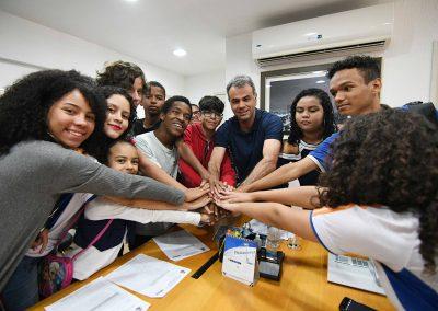 Estudantes debatem administração pública com prefeito de Nova Iguaçu