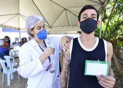 Nova Iguaçu segue vacinando a população contra a Covid-19 nesta quarta-feira (13)