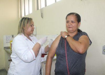 Prefeitura aproveita o Dia D contra Influenza para atualizar caderneta de vacinação e promover a pesagem de beneficiários do Bolsa Família