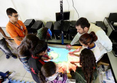 Defesa Civil e UERJ apresentam Simulador de Fenômenos Naturais para alunos da Cerâmica