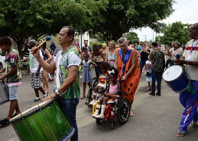CASF promove baile de carnaval como tratamento terapêutico
