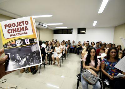 Nova Iguaçu cria projeto Cinema nas Escolas