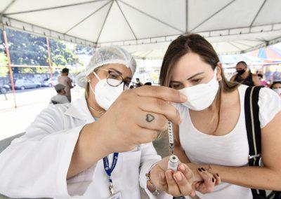 Nova Iguaçu atinge a marca de 1 milhão de doses aplicadas contra Covid-19