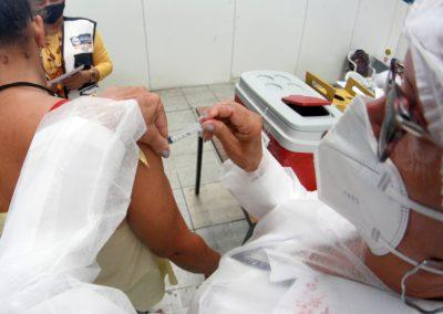 Nova Iguaçu segue vacinando pessoas acima de 12 anos nesta quinta (21)