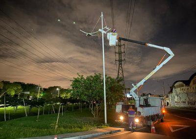 Prefeitura de Nova Iguaçu troca iluminação da Via Light por luz de led, com mais potência e economia