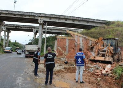 Obras irregulares são notificadas e demolidas pela Prefeitura de Nova Iguaçu