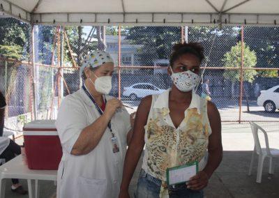 Nova Iguaçu acelera o calendário de vacinação contra a Covid-19 por idade e imuniza esta semana pessoas de 51 a 48 anos
