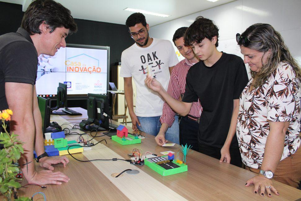 Nova Iguaçu formaliza parcerias para expansão da Casa da Inovação 11
