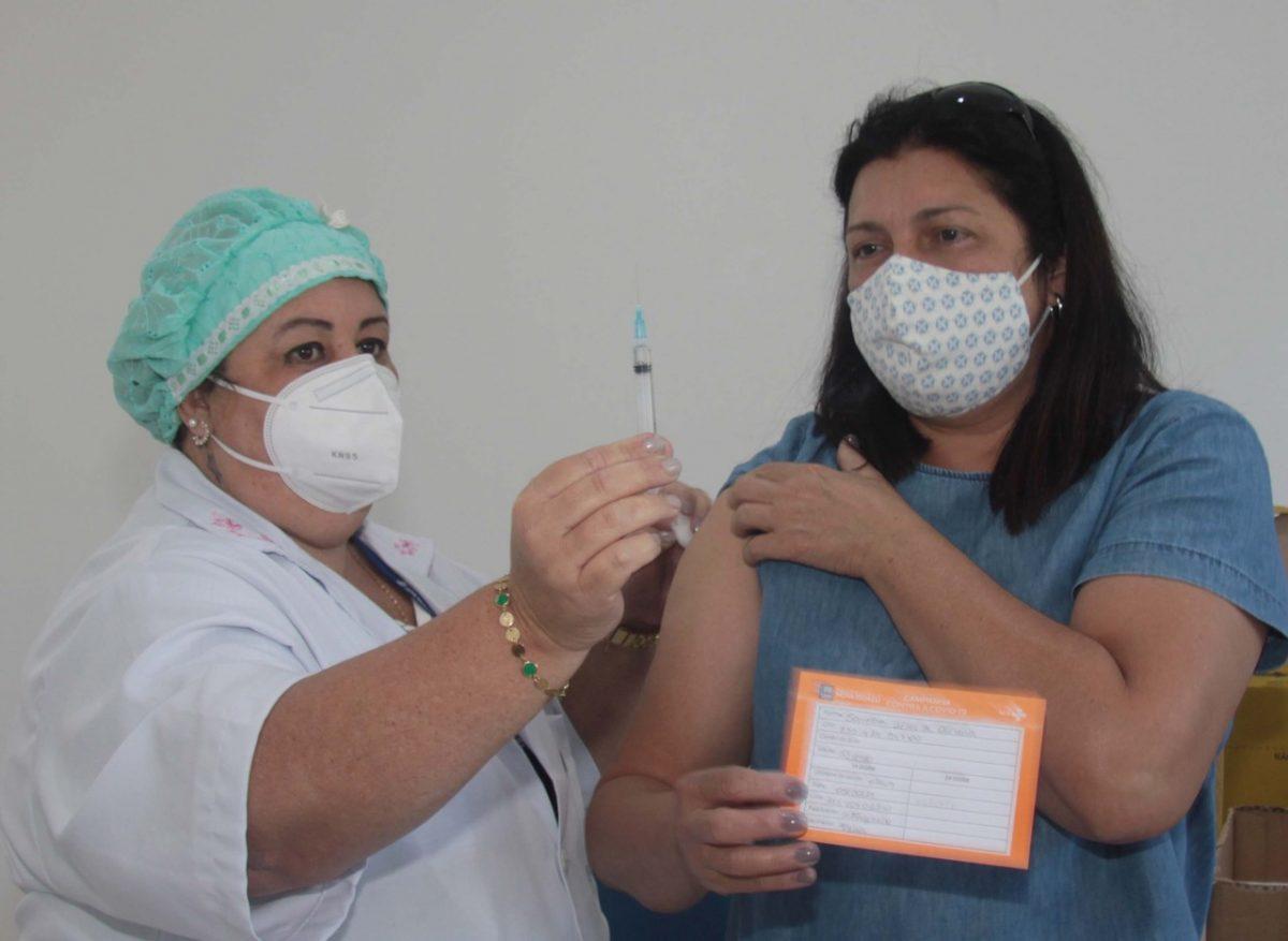 Nova Iguaçu vai vacinar cuidadores de pessoas com deficiência intelectual a partir desta semana