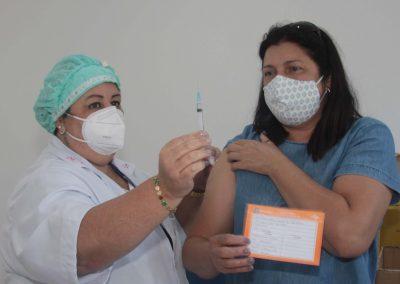 Nova Iguaçu vacina, na próxima semana, pessoas de 40 a 51 anos com comorbidades e gestantes, puérperas e lactantes acima de 18 anos
