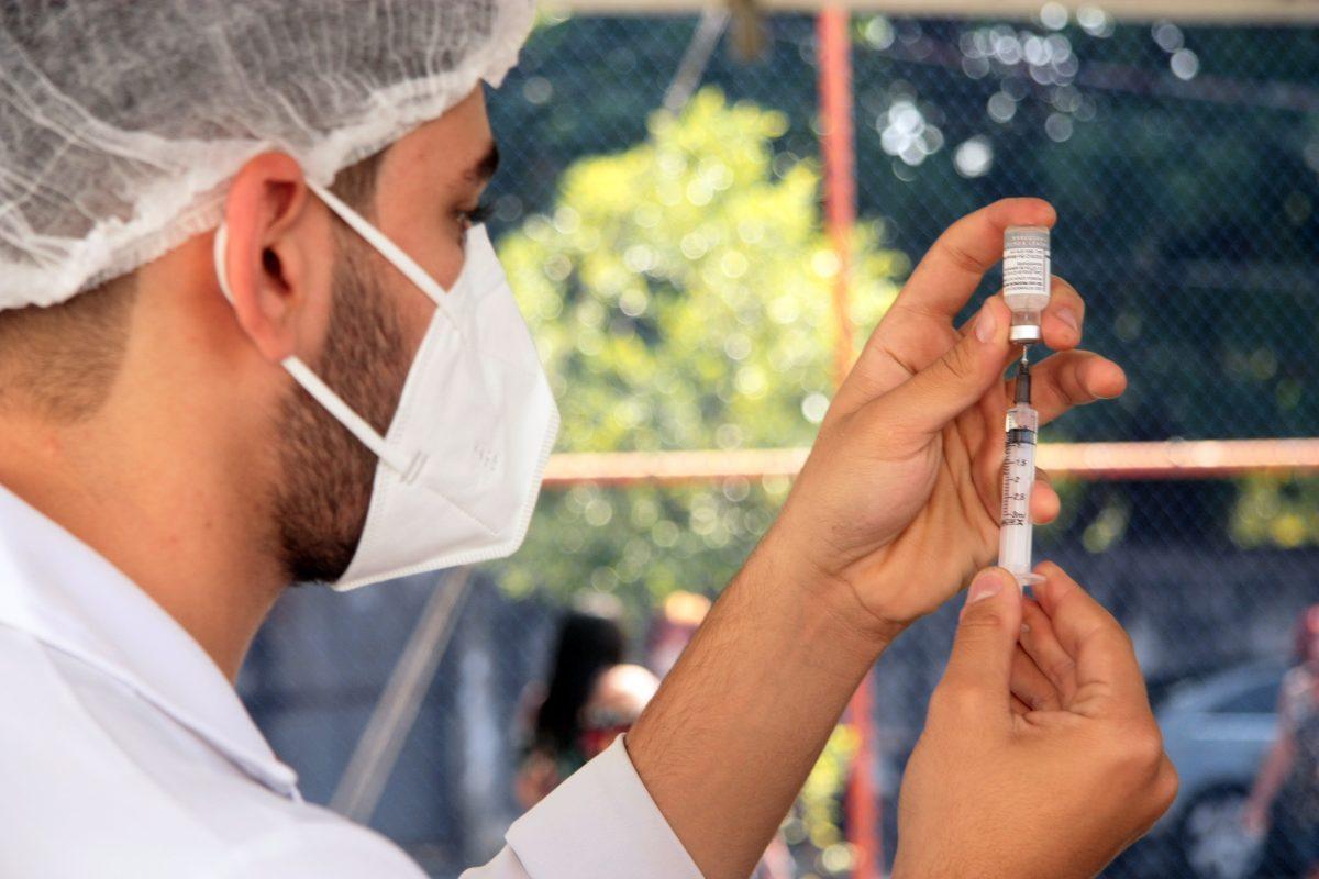 Nova Iguaçu avança na vacinação contra a covid-19 nesta semana