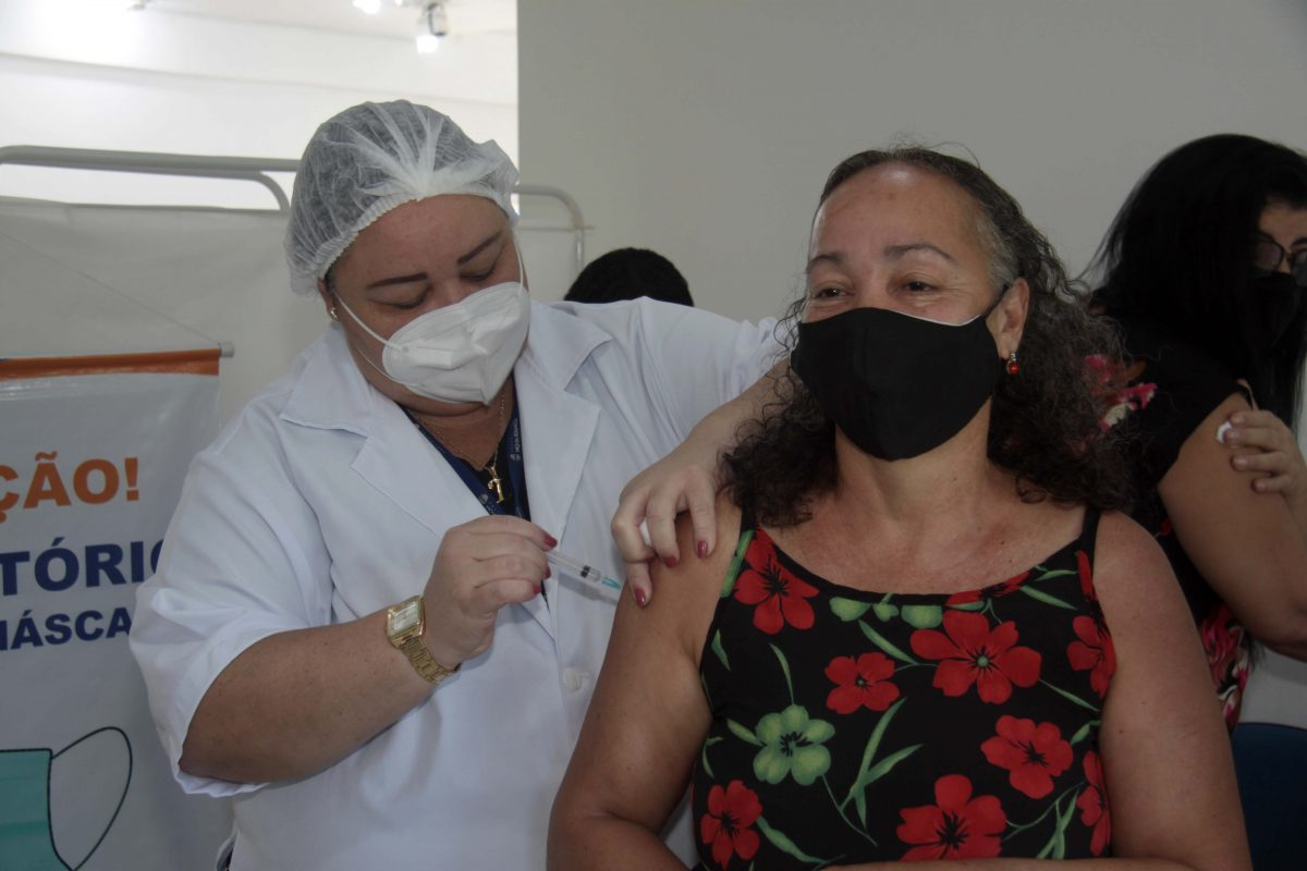 Nova Iguaçu vacina segue com seu calendário de vacinação contra a Covid-19 nesta quarta-feira (2/6)