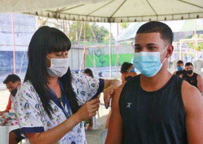 Nova Iguaçu vacina adolescentes de 13 anos nesta terça-feira (21)