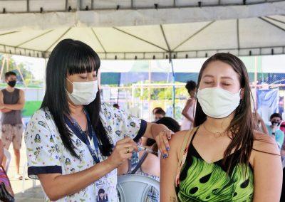Nova Iguaçu segue vacinando adolescentes de 13 anos nesta quarta-feira (22)