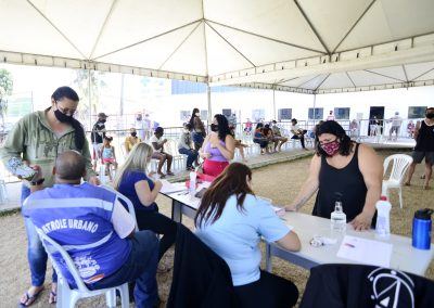 Nova Iguaçu segue vacinando pessoas acima de 12 anos neste sábado (9)